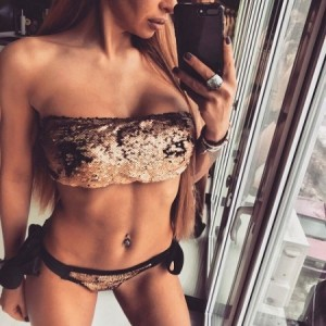 https://www.bikini-monokini.com/1234-3370-thickbox/maillot-de-bain-femme-bandeau-sequins-bronze.jpg